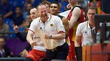 Henrik Rödl (vorn) steigt vom Co-Trainer zum Cheftrainer der deutschen Basketballer auf.