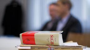 Toter Rentner in Essener Bankfiliale: Gericht verurteilt drei Angeklagte zu Geldstrafen