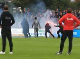 Der Sport-Tag: Vor Pauli-Spiel: Vermummte stürmen Platz in Kiel