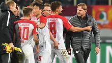 """Der Sport-Tag: """"Genital-Geste"""": RB zürnt, Augsburg ätzt, DFB ermittelt"""