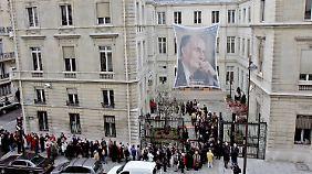 """Das """"Solférino"""" am 10. Todestag von Ex-Präsident Francois Mitterrand 2006."""