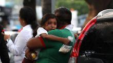Stimmen aus eingestürzter Schule: Retter suchen verschüttete Kinder in Mexiko