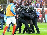 Der Sport-Tag: Holstein Kiel wettert gegen vermummte Chaoten