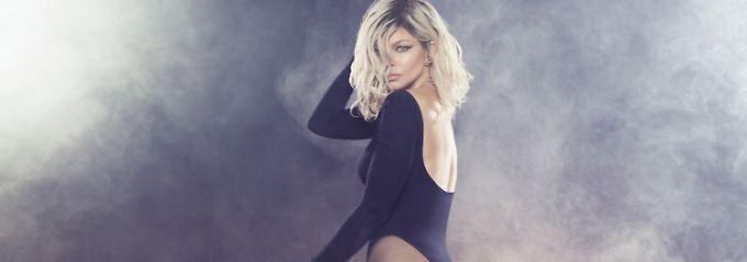 Booties, Boobies, viel Bang Bang: Fergie tanzt auf zwei Hochzeiten