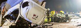 Geisterfahrt auf der A67: Lkw wendet am Stauende - drei Tote