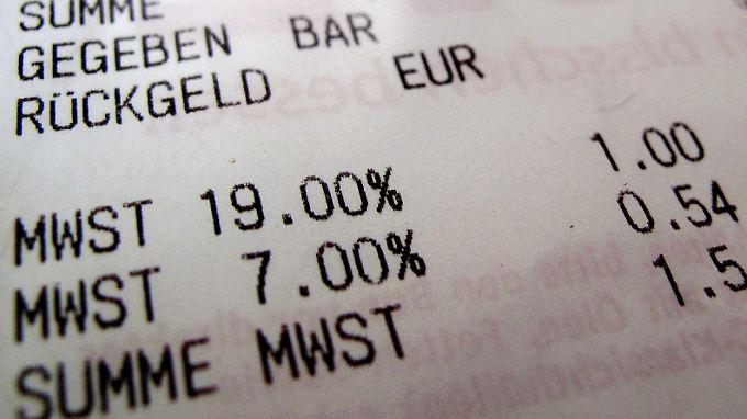 In Deutschland beträgt die Mehrwertsteuer sieben oder 19 Prozent.