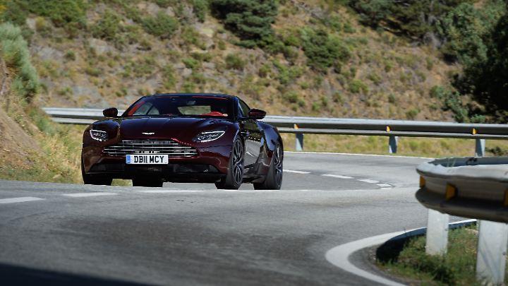 Die Abschaltung des ESP im Aston Martin DB11 sollte den Profis überlassen bleiben.