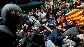 EU schaltet sich ein: Polizeigewalt überschattet Katalonien-Referendum