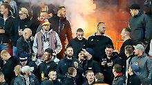 Der Sport-Tag: DFB muss für Nazi-Ausfälle von Fans blechen