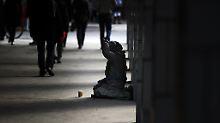 Große Unterschiede bei Ländern: Ost-West-Gefälle bei Armutsrisiko schrumpft