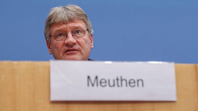 Auch Björn Höcke könne sich um den Vorsitz bewerben, betonte Jörg Meuthen.