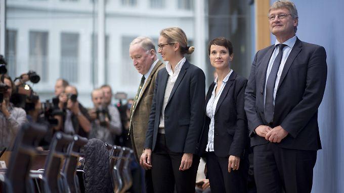 """Die AfD habe ein """"zynisches Verhältnis zu politischen Mandaten"""", gibt der scheidende Bundestagspräsident Lammert zu bedenken."""