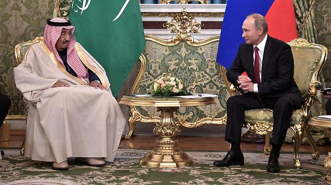 König Salman besucht Russland als erster saudischer Monarch.
