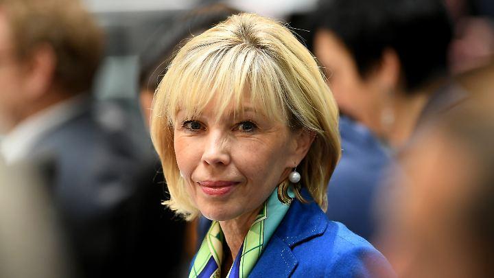 Doris Schröder-Köpf ist seit 2016 mit dem amtierenden niedersächsischen Innenminister Boris Pistorius liiert.