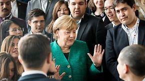 Ein Nussknacker zum Abschied: Junge Union nimmt Merkel ins Kreuzverhör