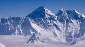 Ob Rekord oder nicht, den Mount Everest zu besteigen, ist ein gefährliches Vorhaben.