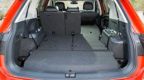 Je nach Variante bietet der Tiguan Allspace zwischen 760 und 1920 Liter Kofferraumvolumen oder - mit dritter Sitzreihe - 700 bis 1775 Liter Stauraum.