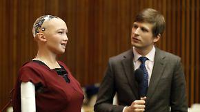 Künstliche Intelligenz in der Kritik: Roboter Sophia hält Ansprache vor UN