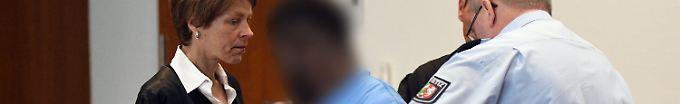 Der Tag: 18:33 Vergewaltigte Camperin bei Bonn - 13 Jahre Haft gefordert
