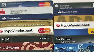 Gebühren, Ausland, Teilzahlung: Kostenfallen verstecken sich in fast allen Kreditkarten