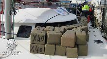 Tatsächlich fangen die Küstenwachen europäischer Mittelmeerstaaten immer wieder große Haschischlieferungen aus Marokko ab. Ob die allerdings aus staatlicher Produktion stammen, steht auf einem ganz anderen Blatt.