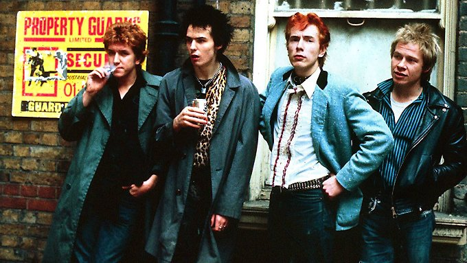 Gitarrist Steve Jones, Bassist Sid Vicious, Sänger Johnny Rotten und Schlagzeuger Paul Cook (v.l.) im Mai 1978 in London.
