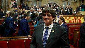 Madrid aktiviert Artikel 155: Katalanisches Regionalparlament stimmt für Unabhängigkeit