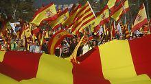 Keine Mehrheit für Unabhängigeit: Katalanen demonstrieren gegen Abspaltung