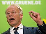 """""""Stück aus dem Tollhaus"""": Trittin attackiert Union, Dobrindt die Grünen"""
