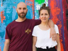 Caro und Daniel leben und arbeiten in Berlin.