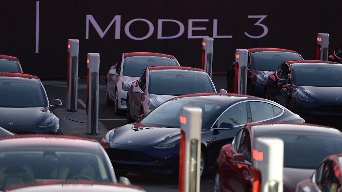 Probleme bei Model-3-Produktion: Tesla meldet Rekordverlust