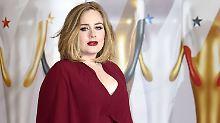 Lasst mal stecken: Adele gibt Millionären einen Korb