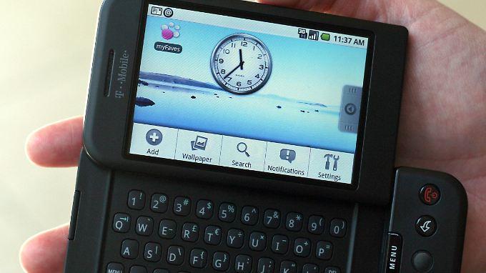 Das G1 sah mit seiner Klapp-Tastatur ganz anders aus als das iPhone.