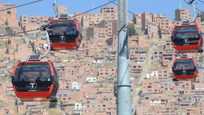 125.000 Passagiere können pro Tag mit der Seilbahn im bolivianischen La Paz transportiert werden.