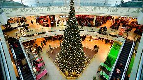 Streit um Sonntagsöffnung: Erste Einzelhändler verzichten auf Geschäft an Heiligabend