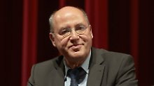 Rinderzüchter, Rechtsanwalt, Spitzenpolitiker: Gregor Gysi.