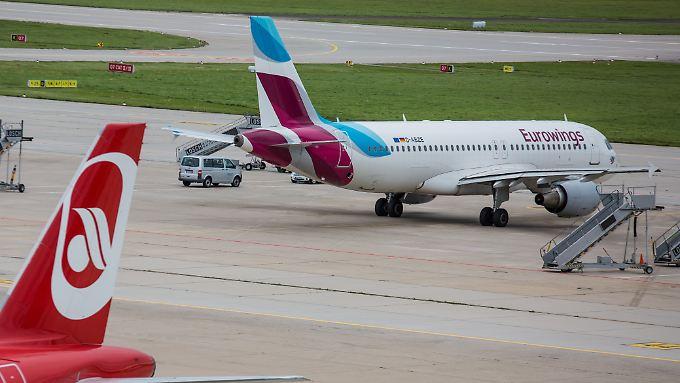 Die Vereinigung Cockpit wirft Eurowings vor, einen regulären Betriebsübergang für Air-Berlin-Piloten umgehen zu wollen.