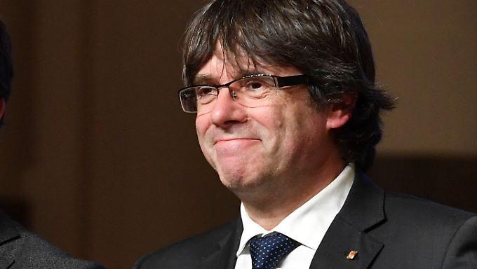Puigdemont wettert weiter gegen die spanische Regierung.