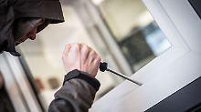 Häufiger Einstieg durchs Fenster: Schutz vor Einbrechern verbessern