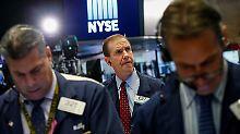 Ist das schon die Korrektur?: Dow und Dax rutschen spürbar ab