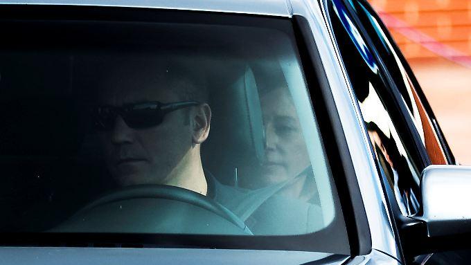 Forcadell auf dem Rücksitz des Autos, mit dem sie das Gefängnis verließ. Dafür musste sie 150.000 Euro Kaution hinterlegen.
