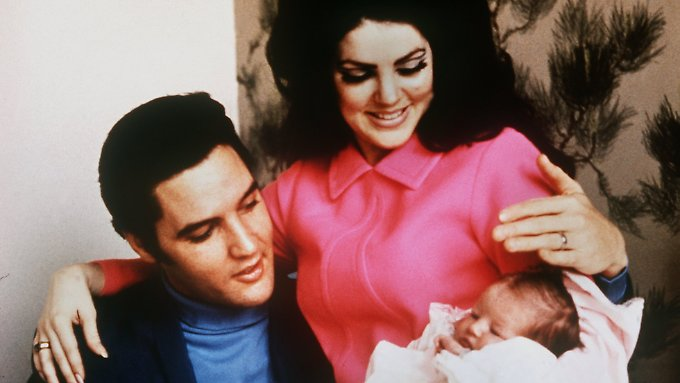 """Schon als 17-Jährige zog Priscilla zu Elvis auf sein Anwesen """"Graceland""""."""