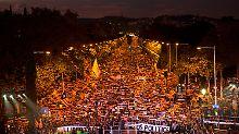Hunderttausende in Barcelona: Katalanen fordern Freiheit für Ex-Minister