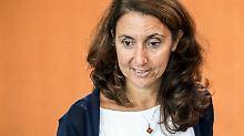 Aydan Özoguz fordert SPD-Chef Schulz auf, den Frauen in der Partei eine Chance zu geben.