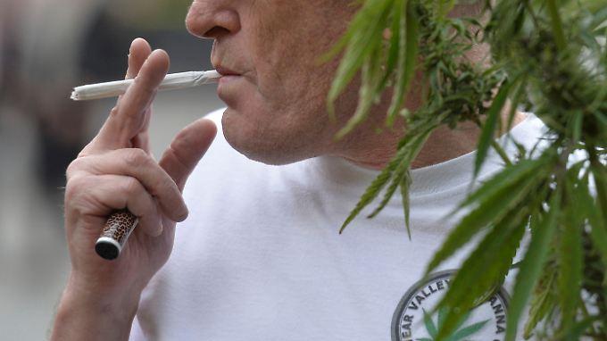 FDP und Grüne wollen in einer Jamaika-Koalition die Freigabe von Cannabis durchsetzen. Die Union ist dagegen. Bröckelt die Abwehrfront?
