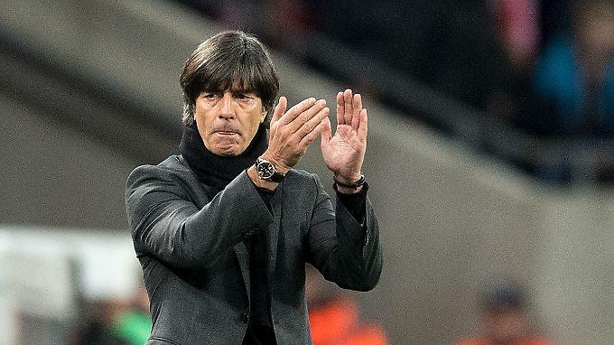 Joachim Löw kann mit dem Remis gegen Frankreich nicht zufrieden sein.