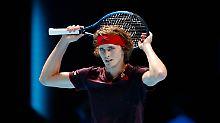 Federer noch eine Nummer zu groß: Zverev verliert - und träumt vom Halbfinale