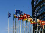 Das europäische Parlament möchte einen permamenten und verbindlichen Verteilungsschlüssel für Flüchtlinge in der EU.