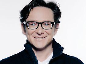 Simon Jäger ist u.a. die deutsche Synchronstimme von Hollywoodstar Matt Damon - und liest die Fitzek-Thriller.