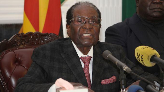 Mugabe will von einem Amtsverzicht nichts wissen.